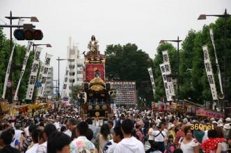 お祭広場に進入